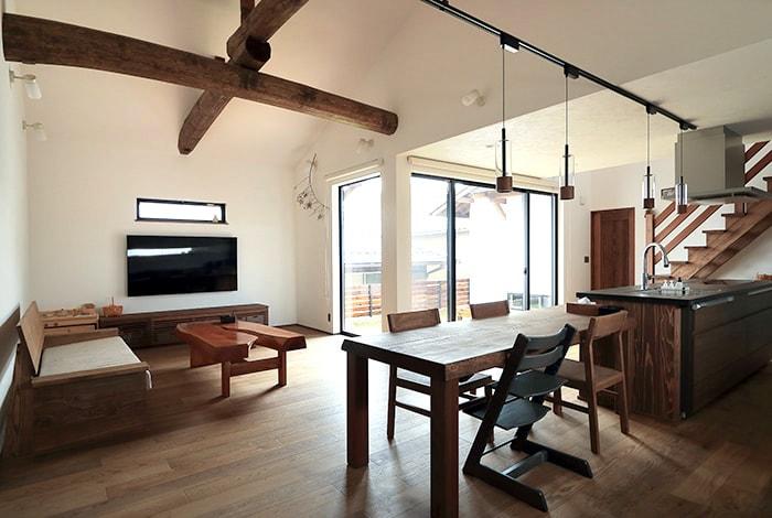 養老町T様邸「古民家のような大空間で暮らす和モダンな家」