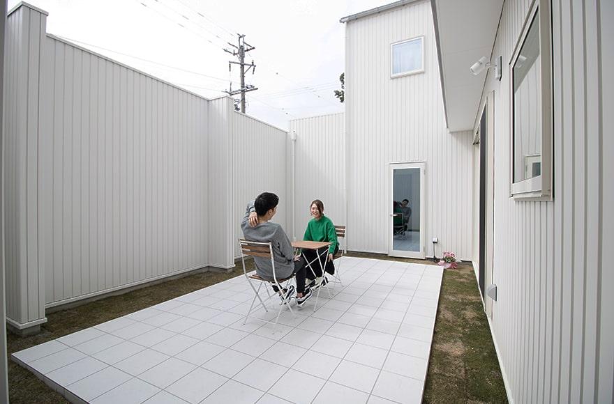 山県市Y様邸「真っ白にこだわった中庭のある家」