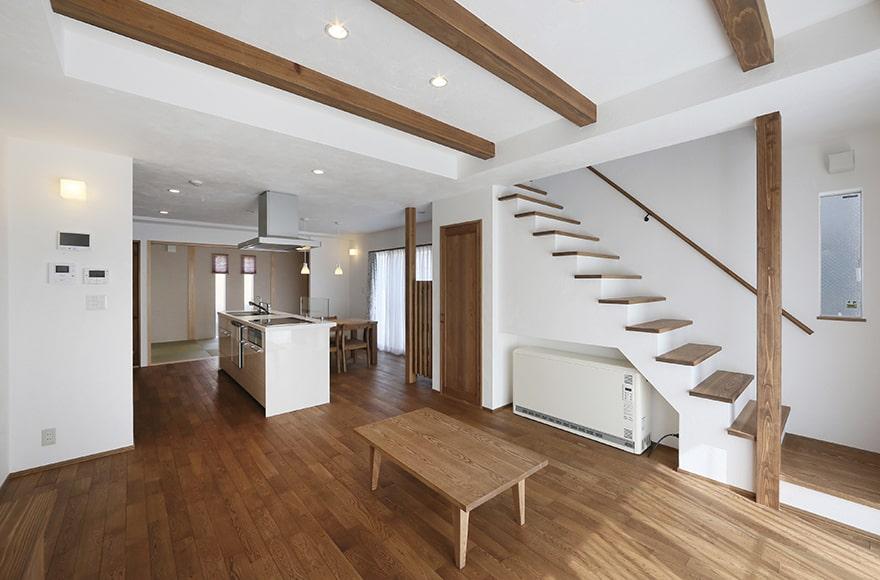 名古屋市Y様邸「傷さえも味になる自然素材の家」