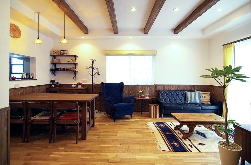 東郷町S様邸「自然素材の中にアンティーク感ただよう家」
