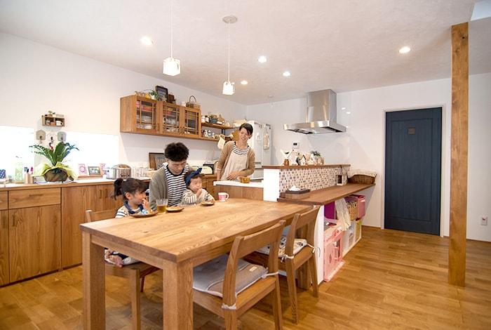 垂井町N様邸「狭小の土地でも使いやすく。タイル使いの可愛らしい家」